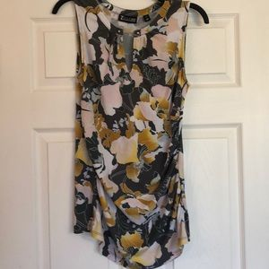 New York & Company Floral Sleeveless Top - M